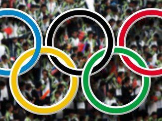 Ester Ledecká je zlatou hvězdou olympiády.
