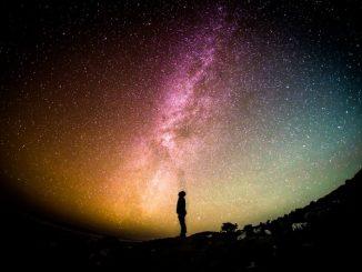 Paralelní vesmír kolem nás